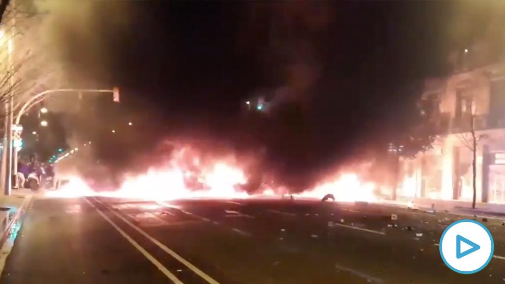 Tercera noche de disturbios en Barcelona.