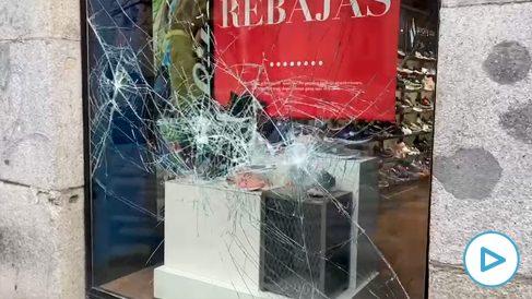 Los comercios de Madrid han sufrido destrozos tras la noche de violencia  por la manifestación a favor de Hasel.