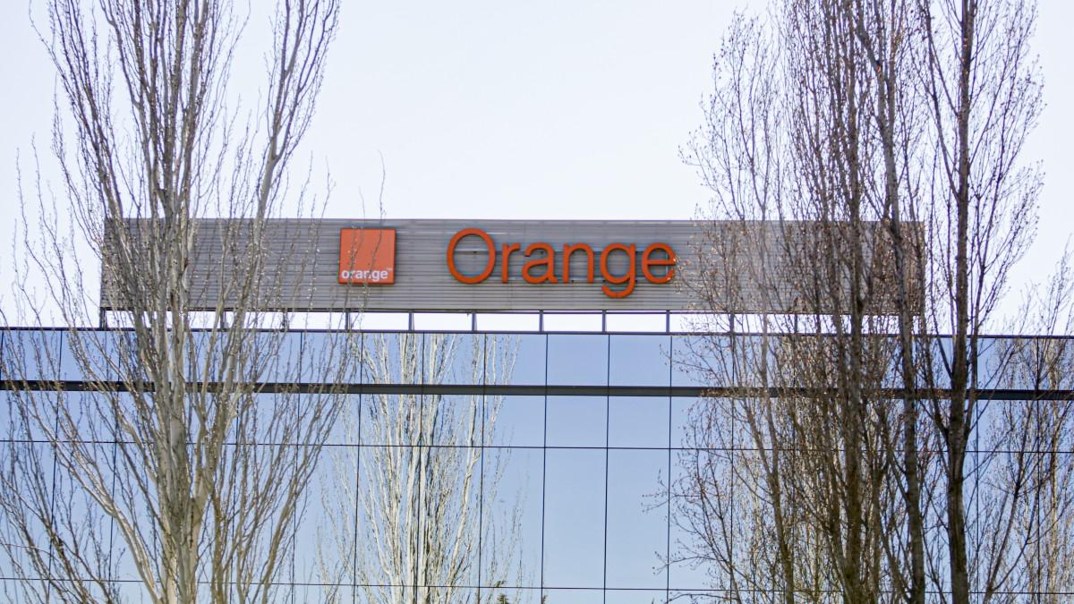Sede Orange en Pozuleo de Alarcón, Madrid. Fuente_ Europa Press