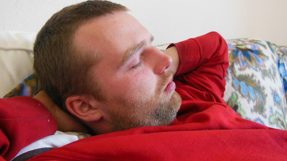 Un 'streamer' gana 13.000 euros por dejar a sus seguidores que le molesten mientras duerme