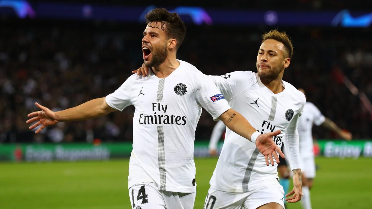 Bernat celebra un tanto junto a Neymar Junior. (Getty)