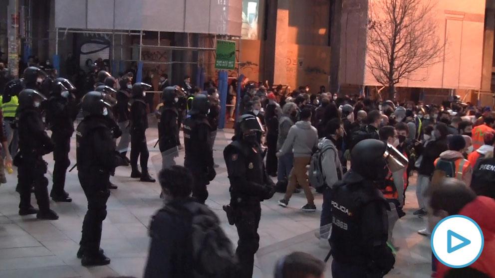 El fuerte dispositivo policial evita que se repitan en Madrid los violentos disturbios en apoyo a Hasél