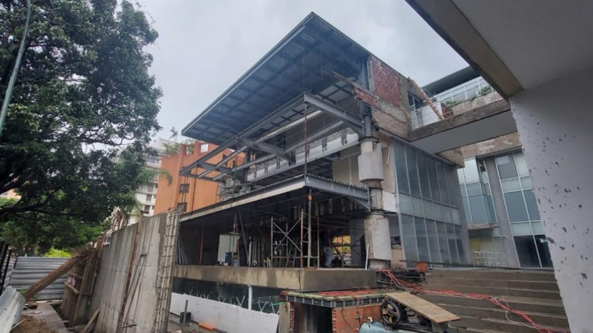 Estado en el que se encuentran las obras de la nueva Embajada de España en Venezuela, que deberían haber concluido hace 10 meses.