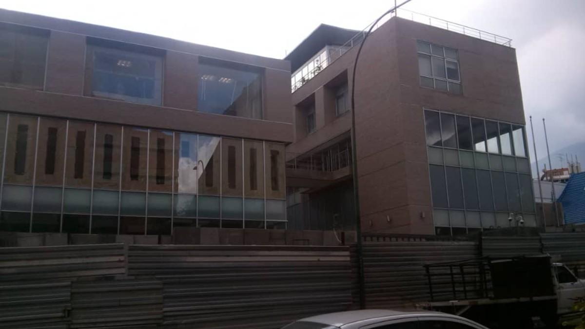 Estado actual del inmueble comprado en Caracas por el Ministerio de Asuntos Exteriores para transformarlo en la nueva Embajada de España en Venezuela.