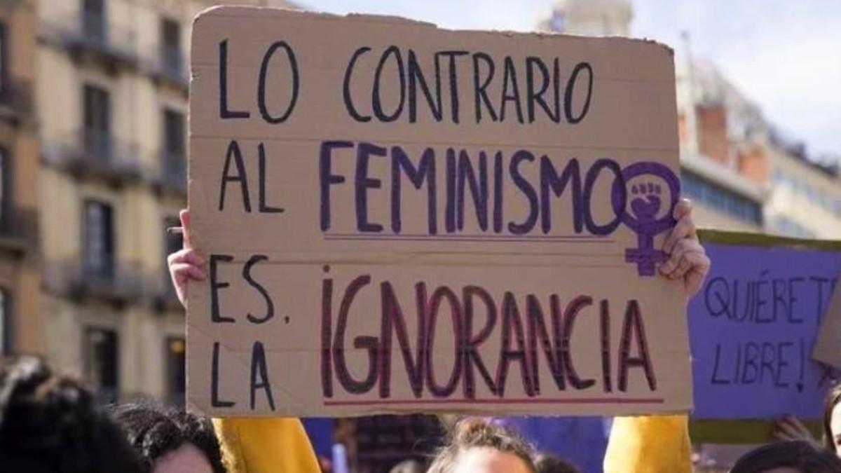 El cartel difundido por Irene Montero, ministra de Igualdad, en un tuit.