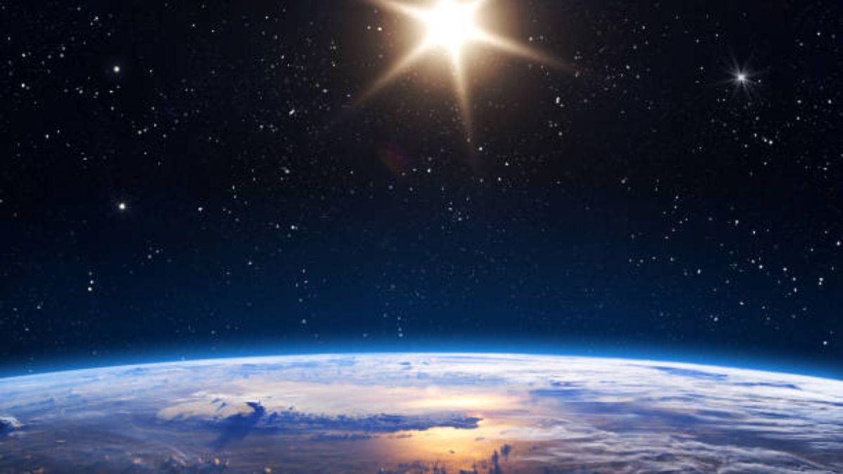 Cuál es la distancia establecida entre la Tierra y el Sol