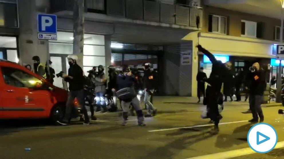 Octava noche de protestas en Barcelona
