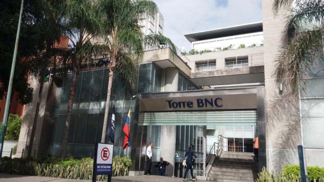 La constructora de la embajada pidió un anticipo de 527.000 $ nada más comenzar la obra que sigue inacabada