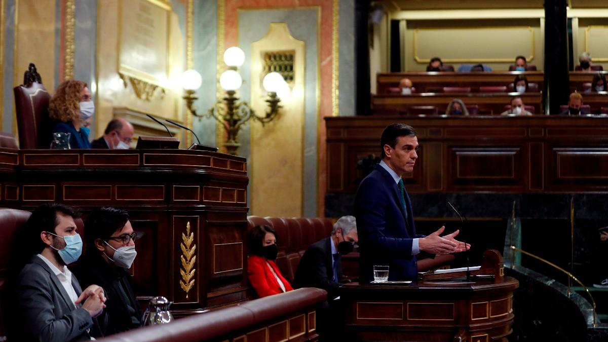 El presidente del Gobierno, Pedro Sánchez, interviene este miércoles durante la sesión de control en el Congreso de los Diputados. Foto: EFE