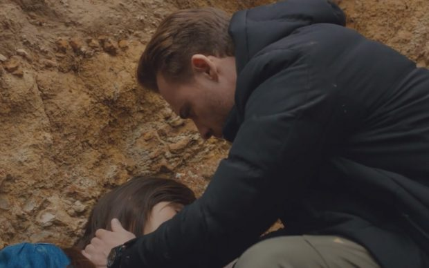 Serkan encuentra a Eda en Love is in the air