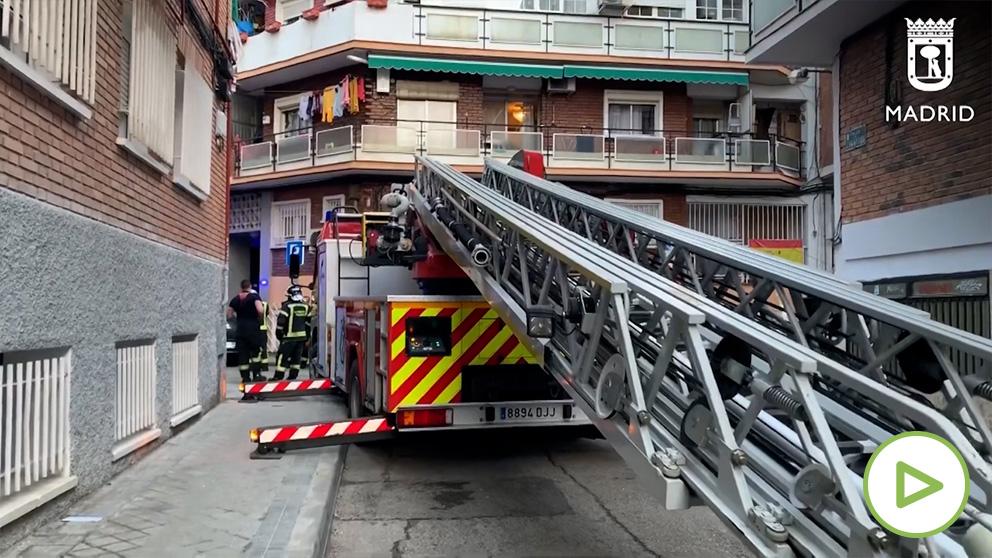 Bomberos de Madrid actúan en Carabanchel