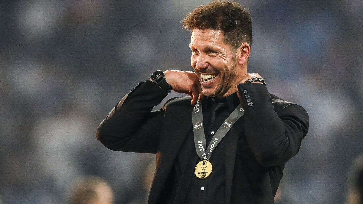 Simeone celebra el título de Europa League. (Getty)
