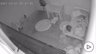 """El terrorífico fenómeno paranormal de la habitación de una niña: """"Es arrastrada debajo la cama"""""""