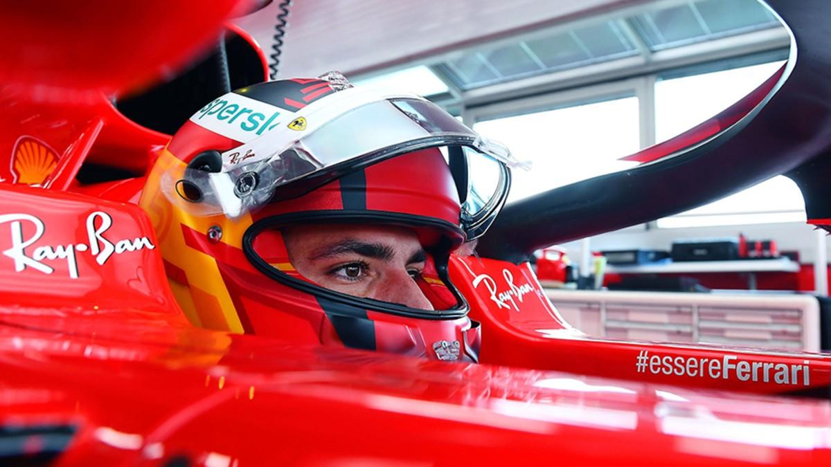 Carlos Sainz, a bordo del Ferrari.