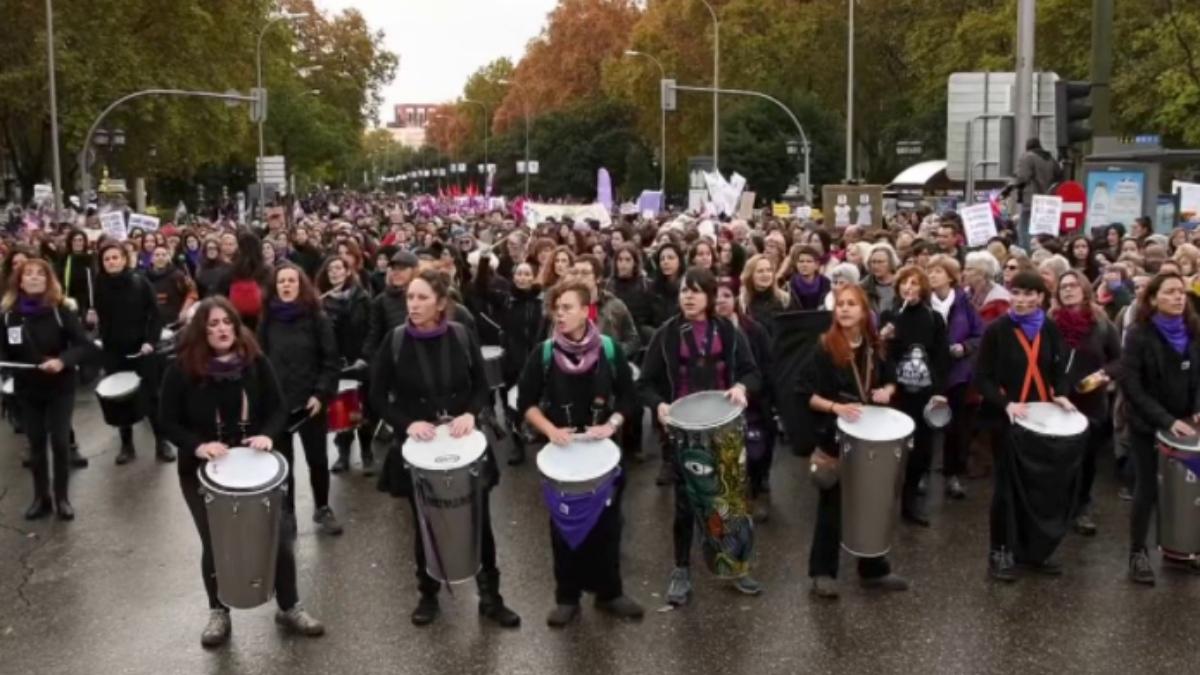 Una 'batucada feminista' por el 8M en Madrid en una imagen de archivo.