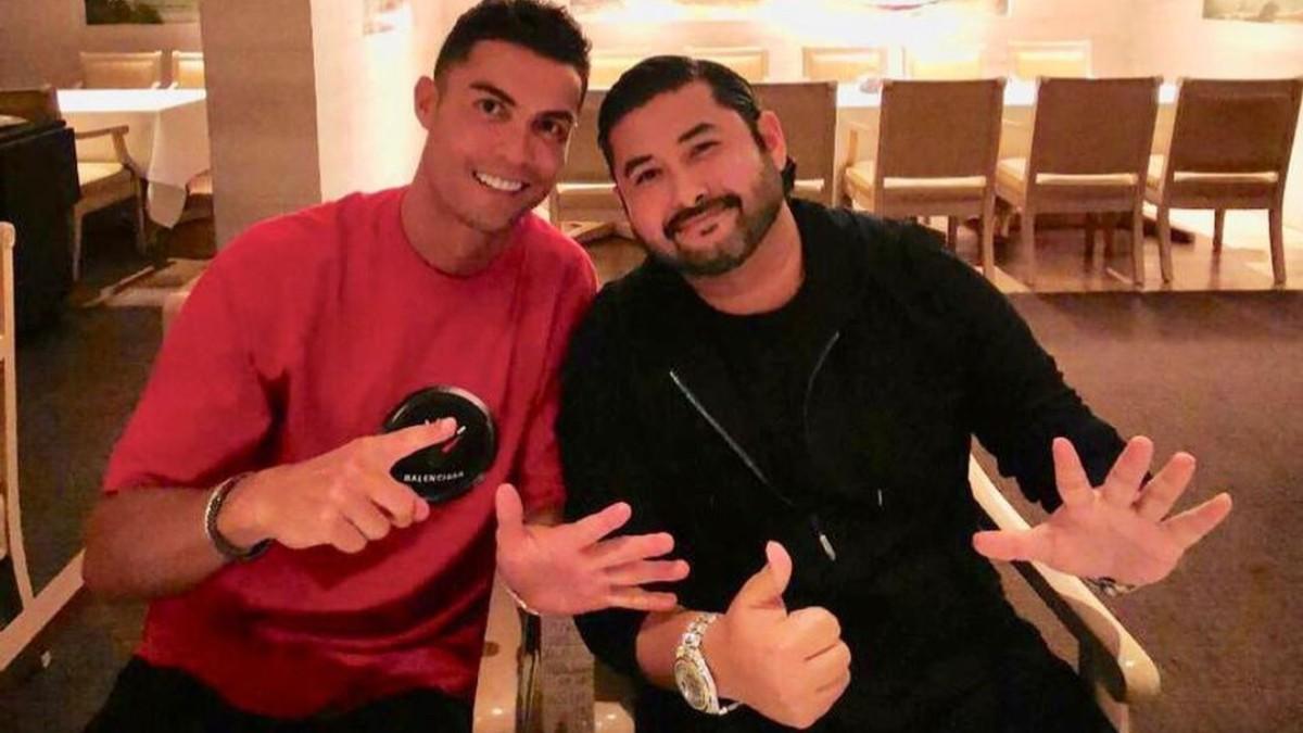 El Príncipe de Johor, junto a Cristiano Ronaldo. (Foto: Instagram)