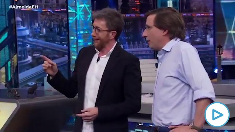 José Luis Martínez-Almeida y Pablo Motos en 'El Hormiguero'.