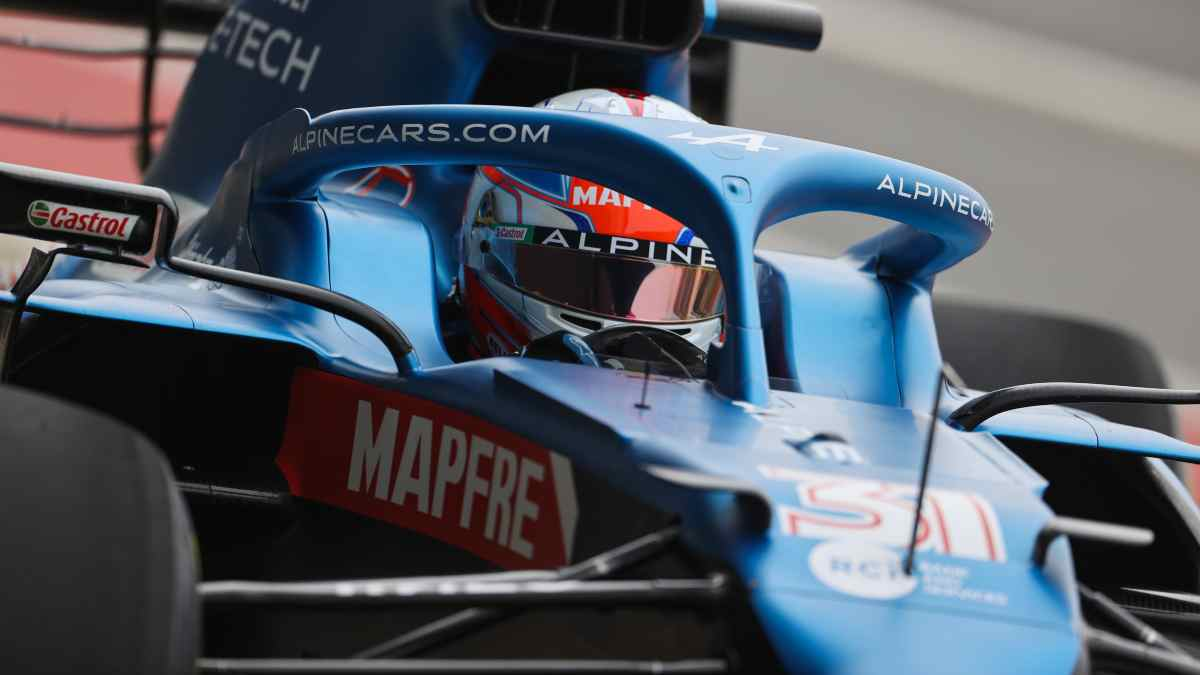Esteban Ocon con el Alpine A521 en Silverstone. (@AlpineF1Team)