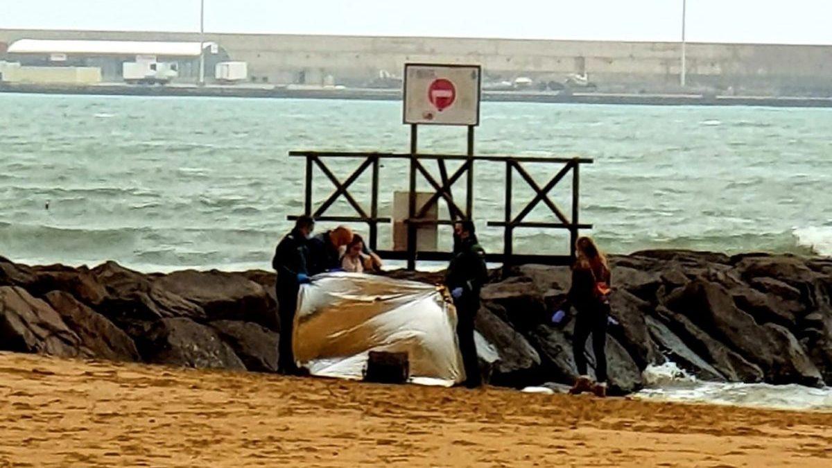 Hallan dos cadáveres de inmigrantes en la orilla de Melilla en menos de 24 horas