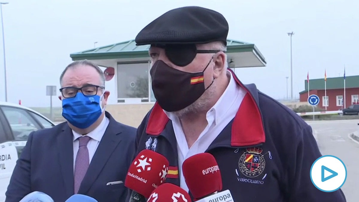 El comisario Villarejo sale de prisión.