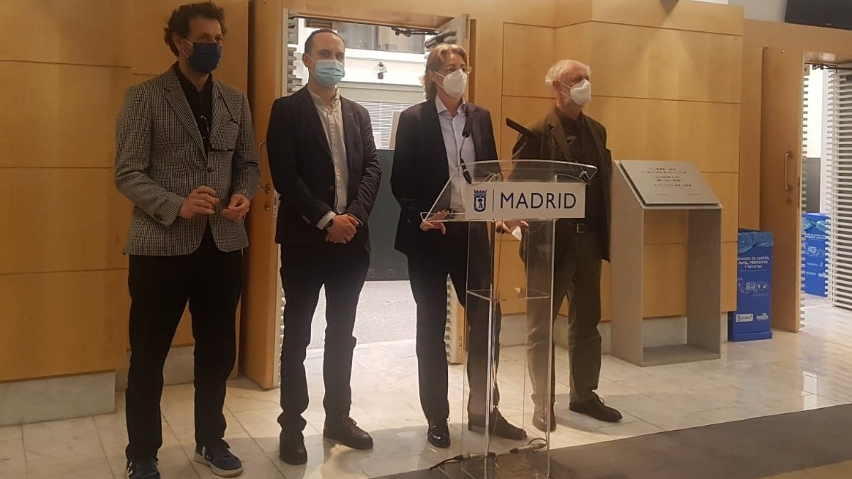 Marta Higueras, junto a los concejales José Manuel Calvo, Felipe llamas y Luis Cueto en el Ayuntamiento de Madrid. (Foto: Europa Press)
