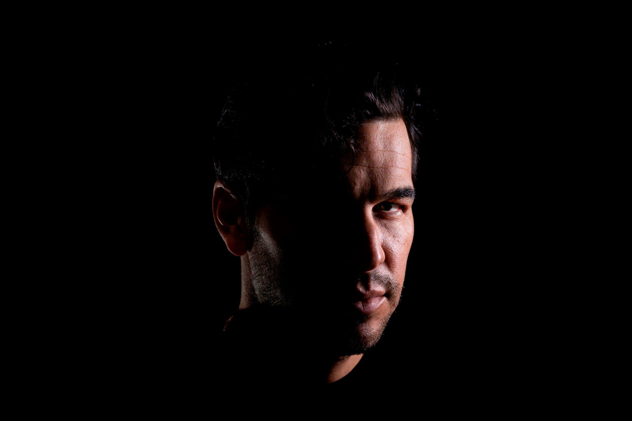 Mario Casas, premio a mejor actor en los Goya 2021