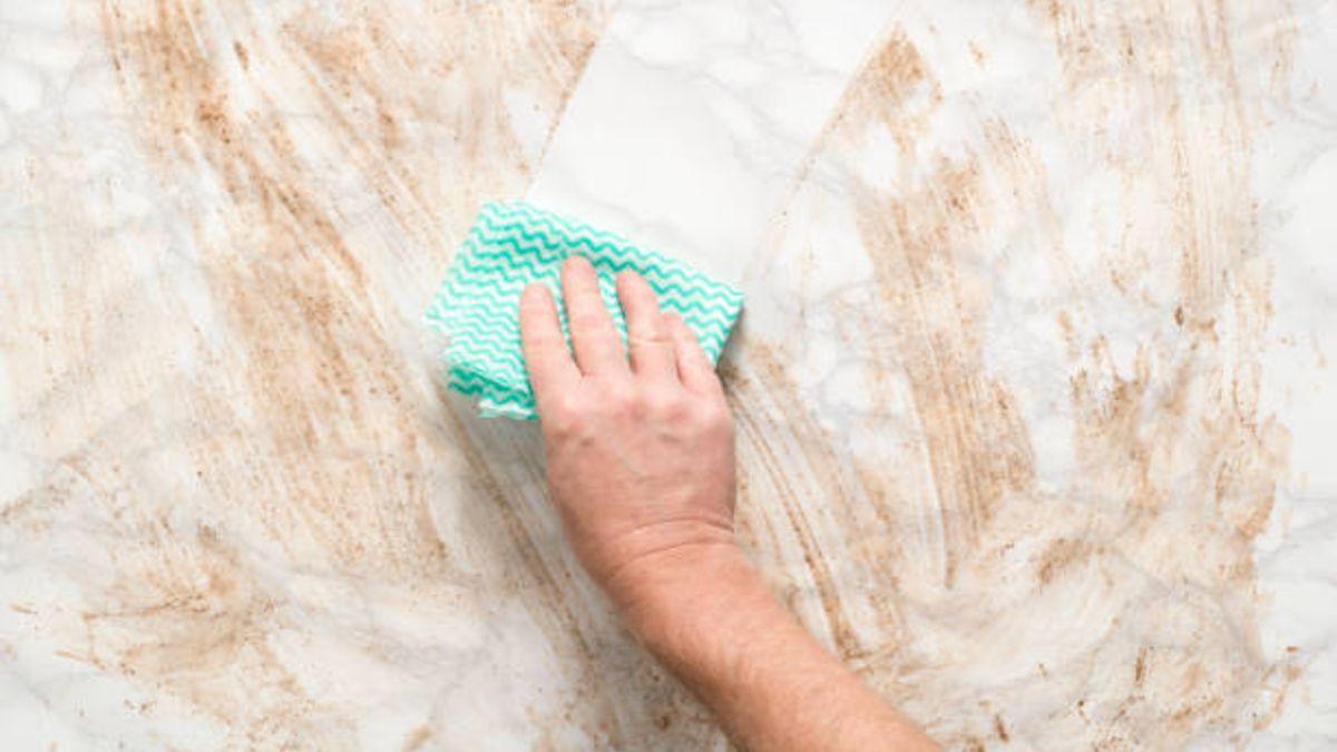 Descubre de qué modo puedes dejar limpiar el mármol pero sin usar productos agresivos.