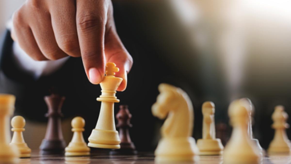 Pasos para hacer un tablero de ajedrez con materiales reciclados