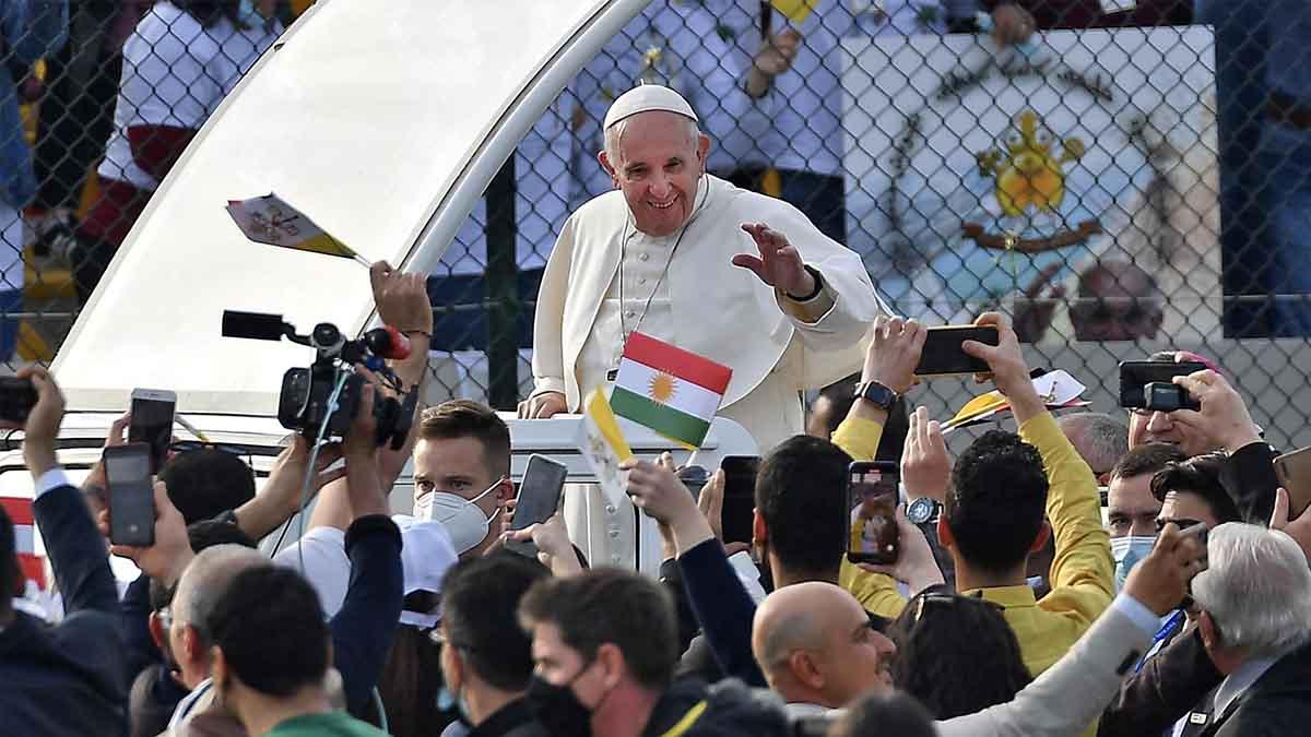 El papa Francisco en su visita a Irak. Foto: AFP
