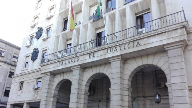 Condenados por violar a una chica en Sevilla que se negó a bailar para ellos: «Esto queda entre nosotros»