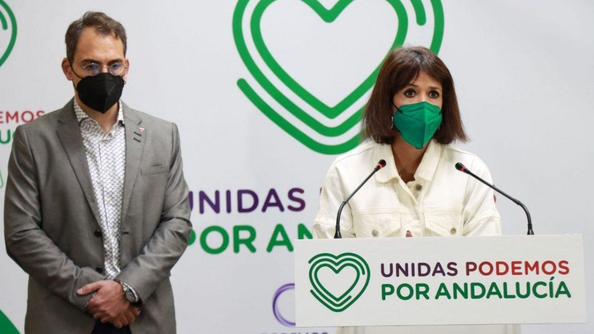 El coordinador general de IU Andalucía, Toni Valero (i), y la coordinadora de Podemos Andalucía, Martina Velarde (d).