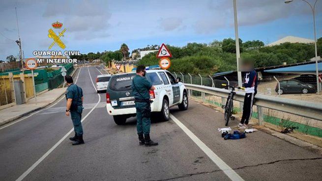 Agentes de la Guardia Civil en Melilla.