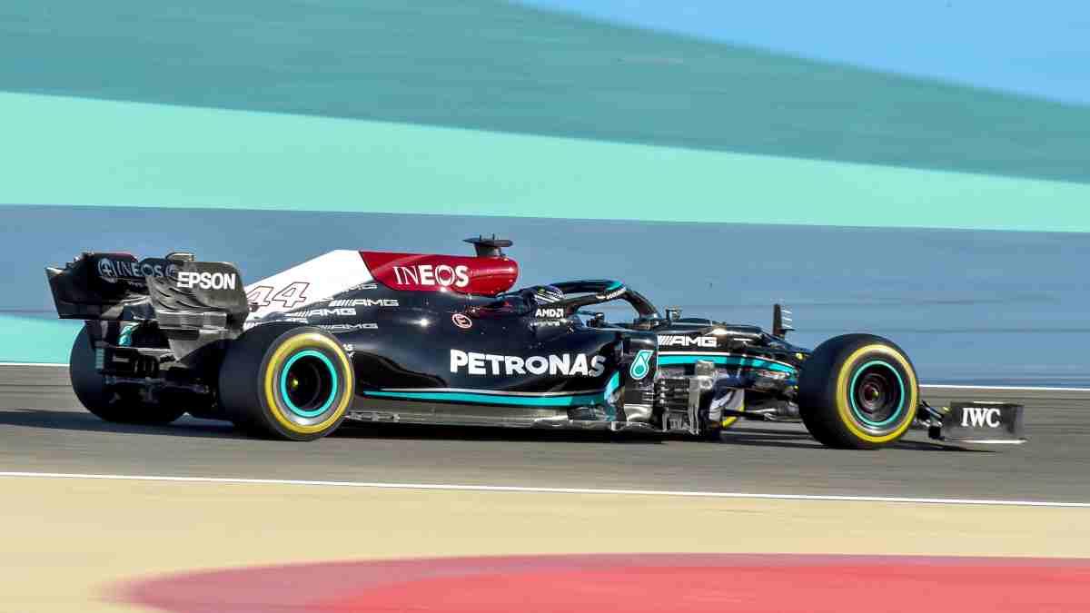 Lewis Hamilton con Mercedes durante la pretemporada. (AFP)