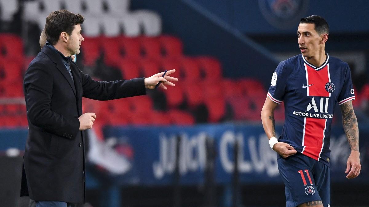 Pochettino y Di María, durante un partido. (AFP)