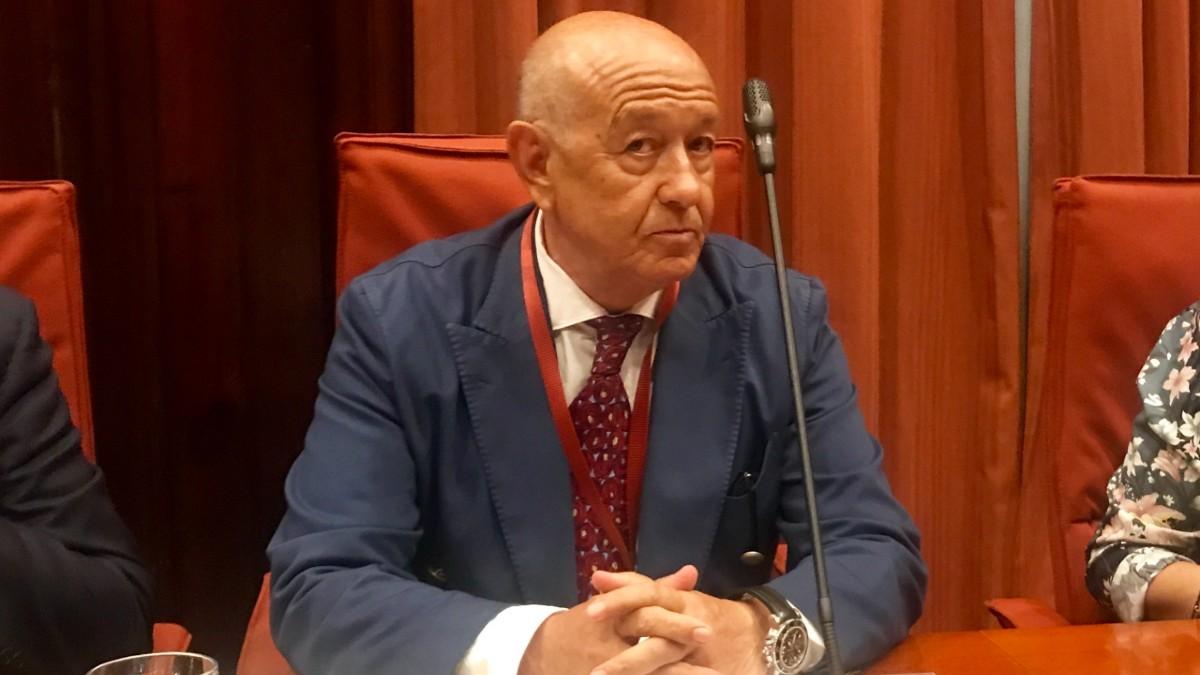 El comisario jubilado Marcelino Martín Blas, durante su comparecencia en el Parlament de Cataluña.