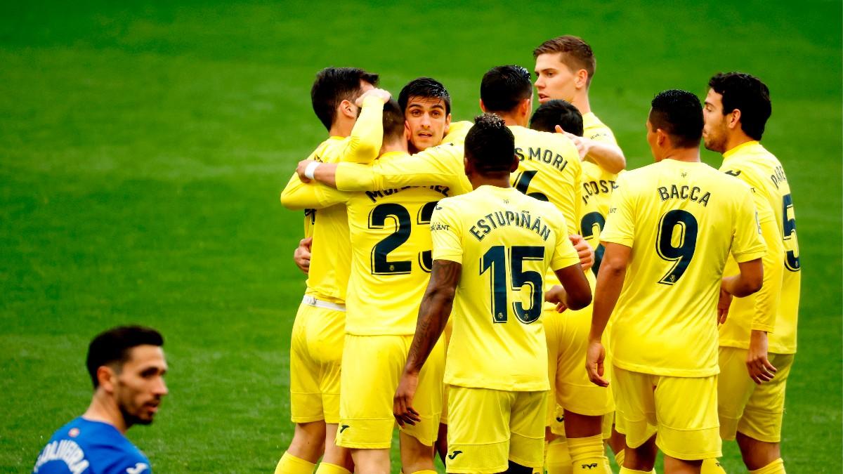Los jugadores del Villarreal celebran uno de los goles frente al Eibar. (EFE)