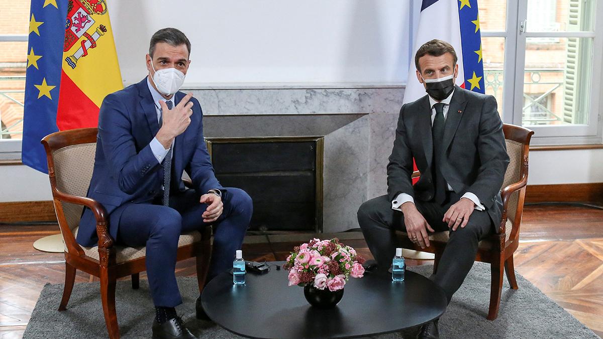 El presidente francés, Emmanuel Macron, y el presidente español, Pedro Sanchez, hoy durante le encuentro bilateral en Montauban.