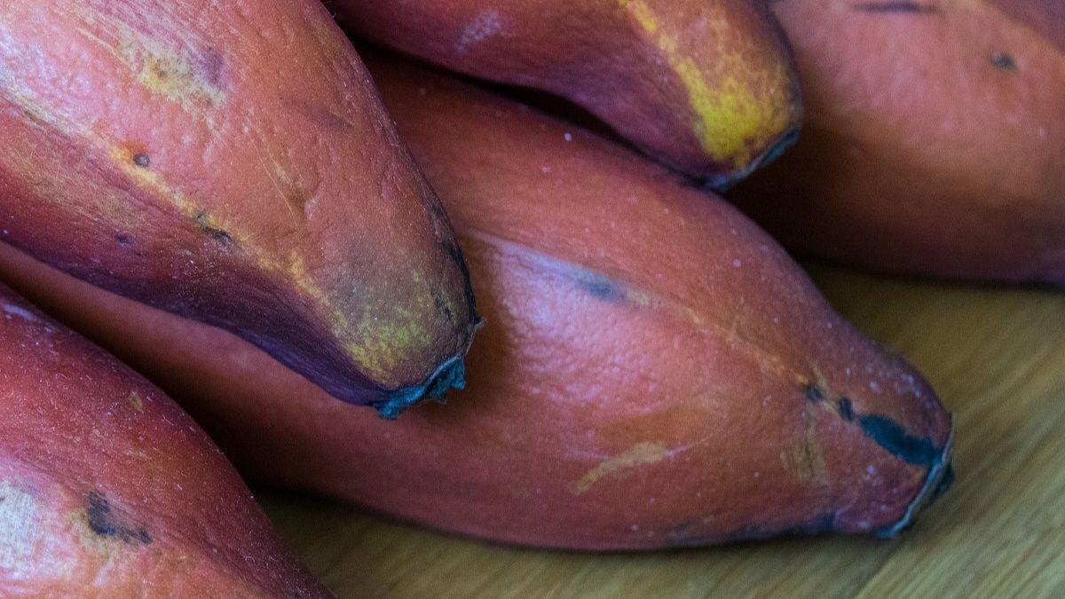 Llega la Península el plátano rojo con sabor a frambuesa y este es su precio