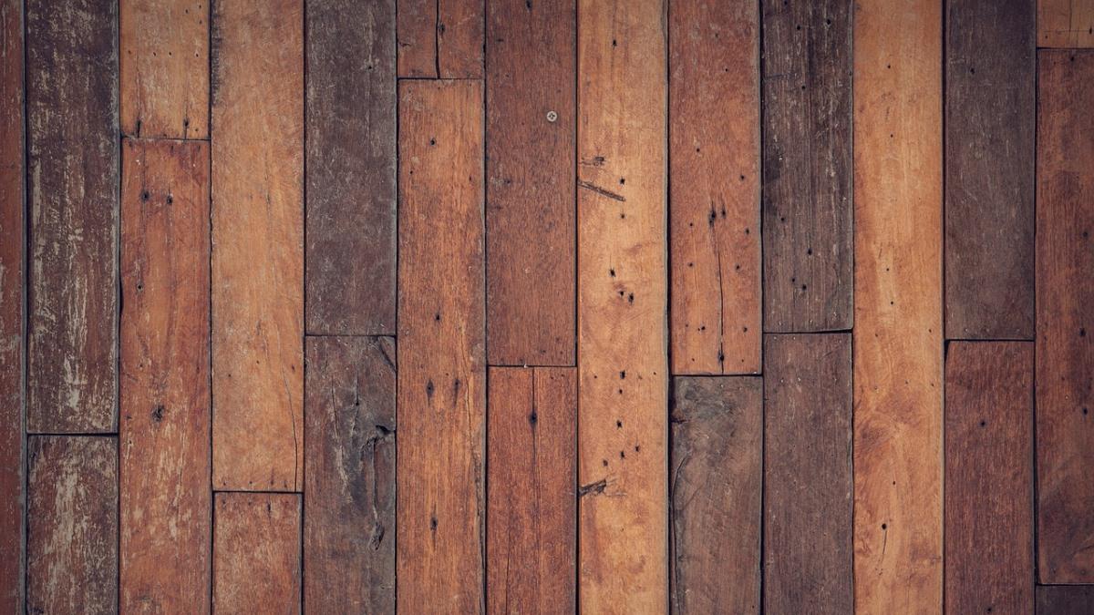 Los arañazos son muy habituales en materiales como la madera