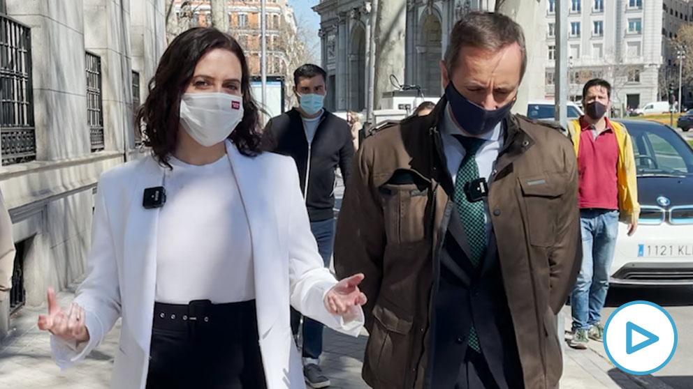 Entrevista con Ayuso por las calles de Madrid.