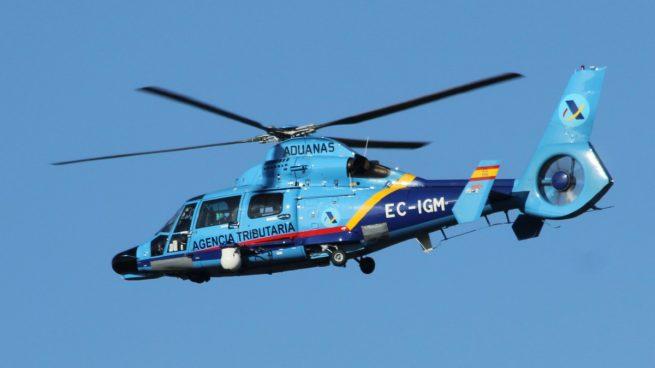 Los cuatro helicópteros de Hacienda dedicados a vigilar a los narcos han estado casi un mes sin volar