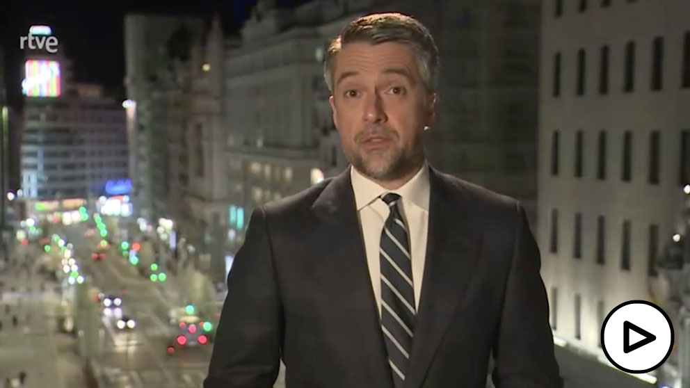 TVE dedica casi todo su Telediario al aniversario del Estado de Alarma en medio del terremoto político.