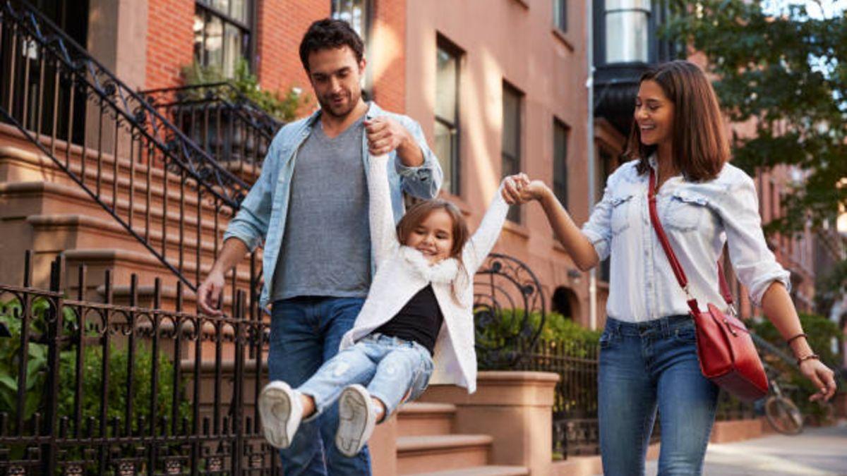 Pautas para caminar de forma segura con los niños por la ciudad