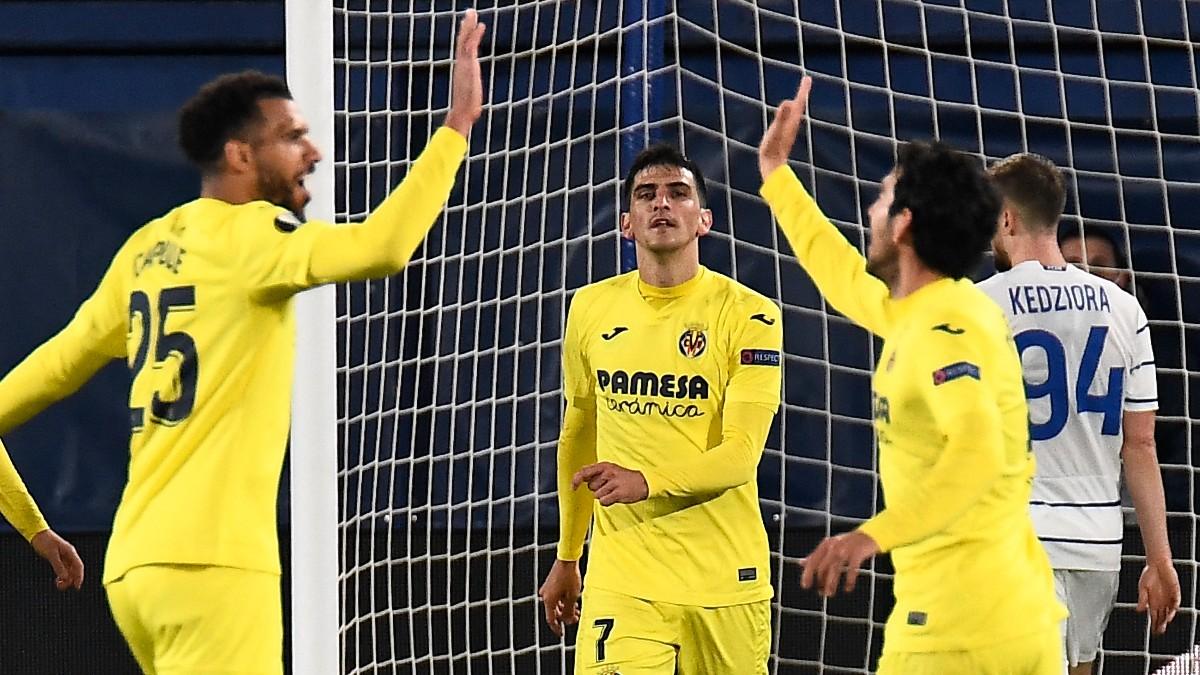Los jugadores del Villarreal celebran el gol de Gerard Moreno ante el Dinamo de Kiev. (AFP)