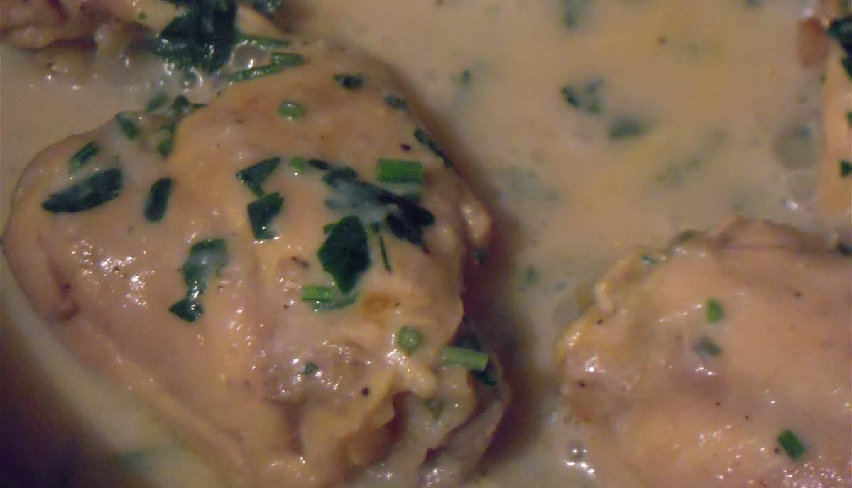 Pollo satsivi con salsa de nueces, una receta para disfrutar
