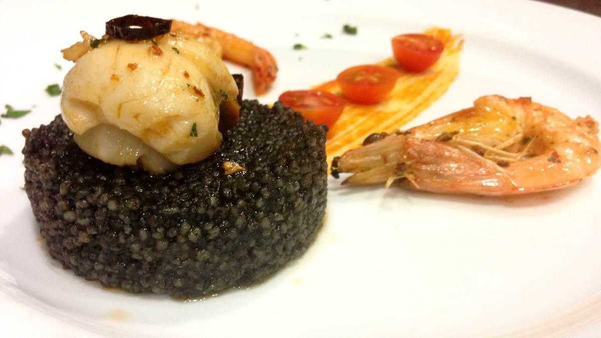 Cuscús negro con pescado