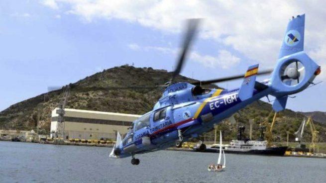 Uno de los helicópteros Eurocopter del Servicio de Vigilancia Aduanera de la Agencia Tributaria.