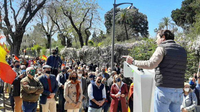 Javier Cortés, presidente de Vox Sevilla, en el acto de este domingo.
