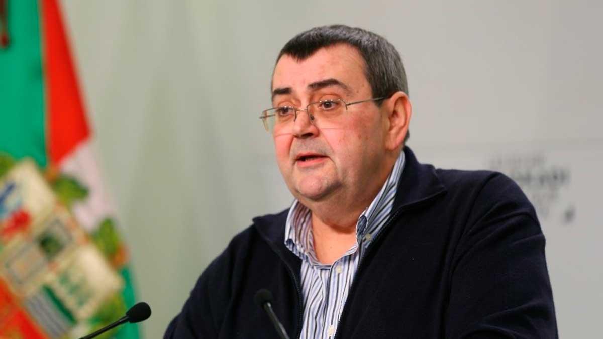 El responsable de Relaciones Institucionales del PNV, Koldo Mediavilla, en una rueda de prensa en Bilbao. Foto: EP