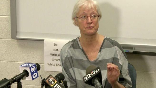 Detenida en el aeropuerto la anciana que viajó gratis en avión durante 20 años